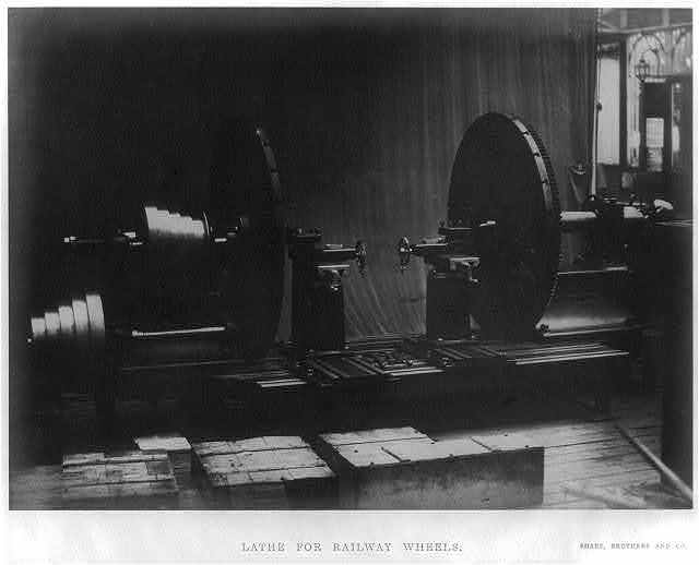 Lathe for railway wheels