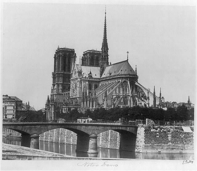 [Notre-Dame de Paris] / E. Baldus.