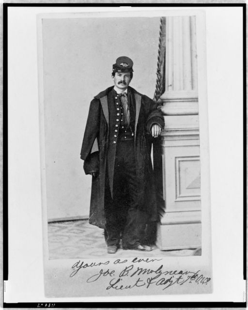 [Joe B. Molyneaux, Union officer, full-length portrait, standing, facing front]