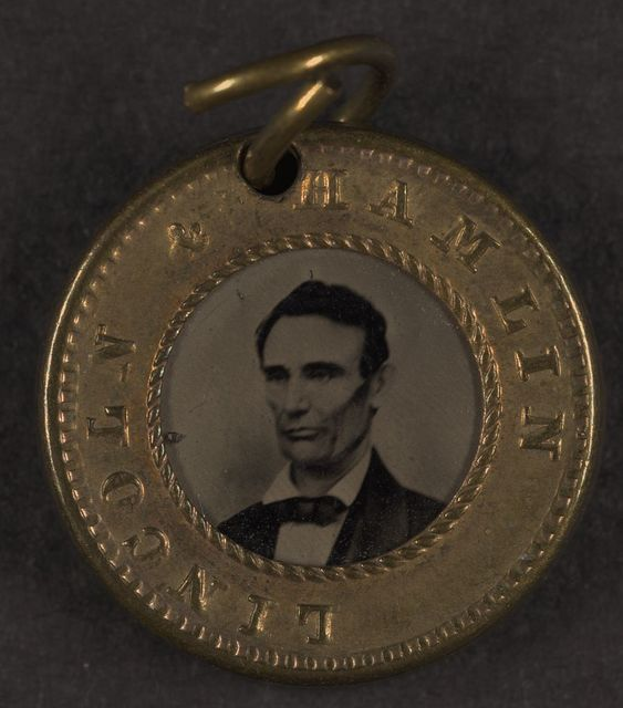 [Presidential campaign button with portraits of Abraham Lincoln and Hannibal Hamlin]