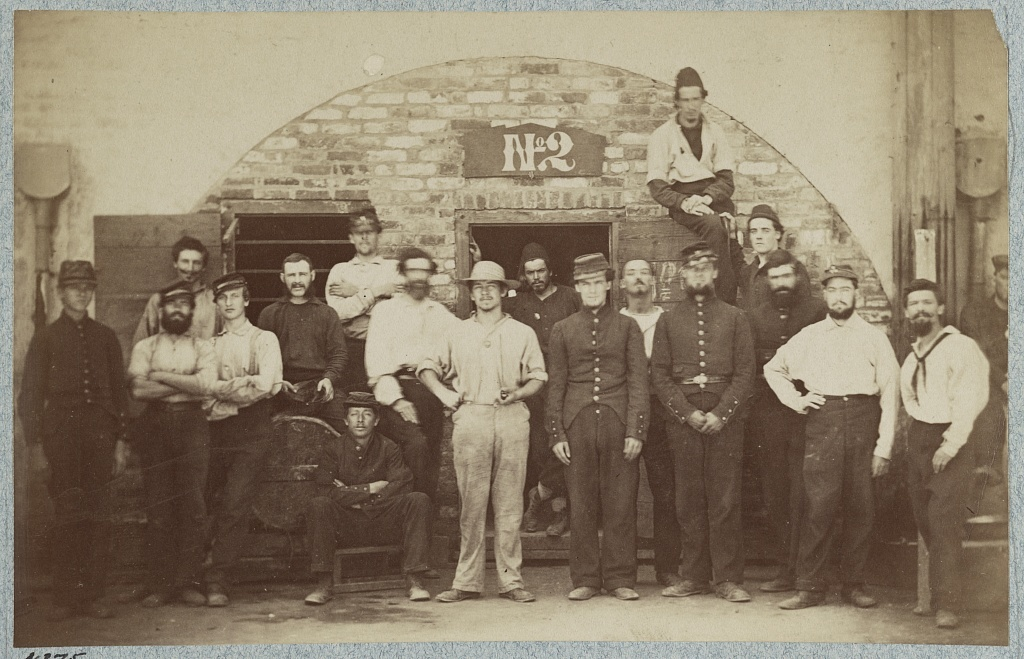 Castle Pinkney [i.e. Pinckney], Charleston, S.C., August 1861, Federal prisoners captured at battle of Bull Run. Casemate no. 2