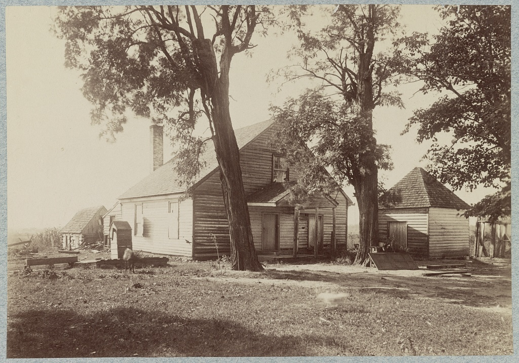 """House in which """"Stonewall Jackson"""" died, near Guinea's [i.e. Guinea] Station, Va."""