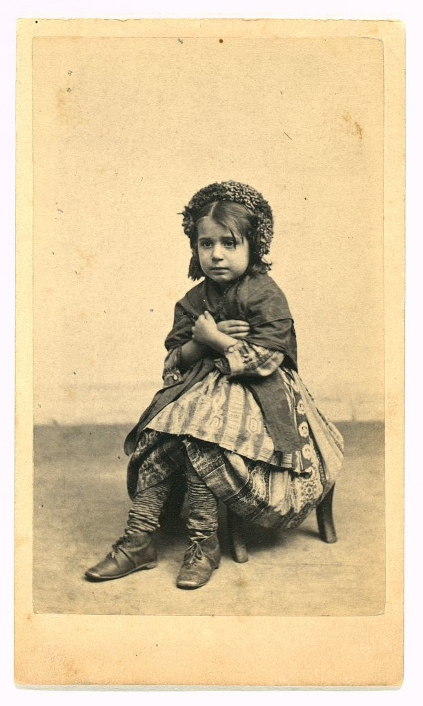 [Italian peasant girl] / E. & H.T. Anthony (Firm), 501 Broadway, N.Y.