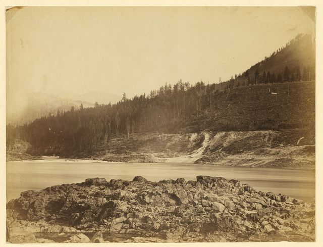 [Scene on the Columbia River at the junction with the Pend Oreille River with outcrop in the foreground]