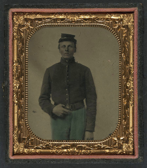 [Unidentified soldier in Union corporal uniform and forage cap]