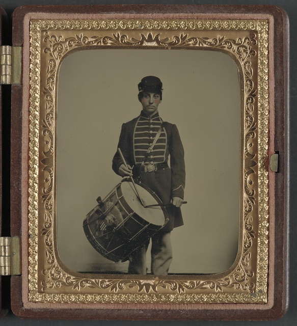 [Unidentified soldier in Union uniform and Massachusetts belt buckle with drum]