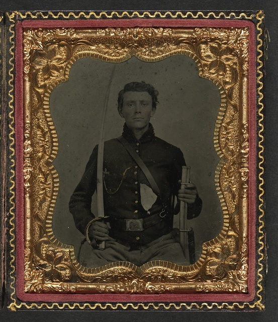[Unidentified soldier in Union uniform with saber and scabbard]