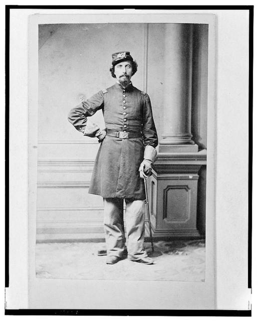 [Unidentified Union officer, full-length portrait, standing, facing front] / Louis Seebohm, Dayton, O.