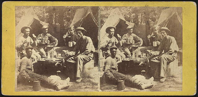 War views -- Army of the Potomac -- the way they cook dinner in camp