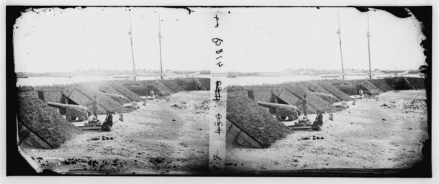 Gloucester, Virginia. Water battery mounting heavy guns