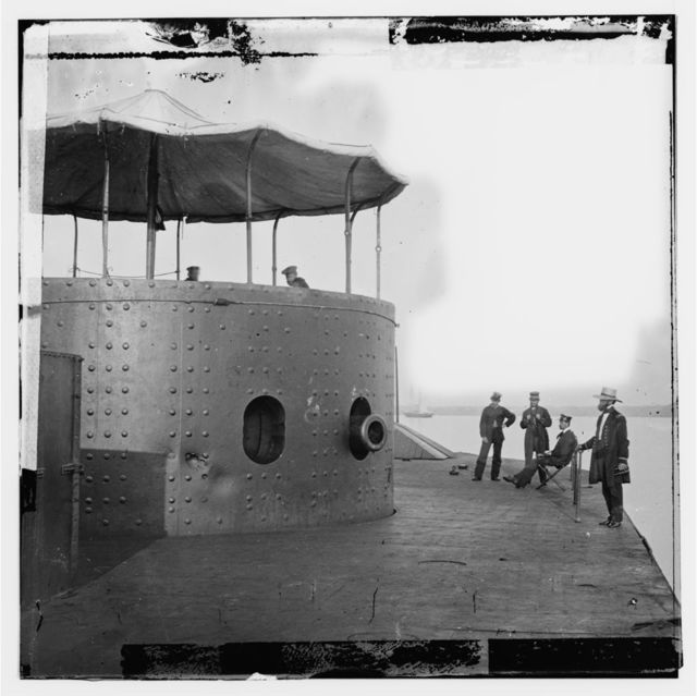 [James River, Va. Deck and turret of U.S.S. Monitor seen from the bow (i.e. stern)]