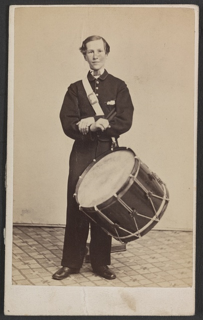 [Unidentified soldier in Union uniform with drum] / Photographed by Thomas Smith, 142 and 144 North Ninth Street, Philadelphia.