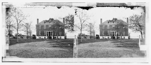 Yorktown, Virginia (vicinity). Farenholt's house, with part of Federal Battery No. 1 in the distance