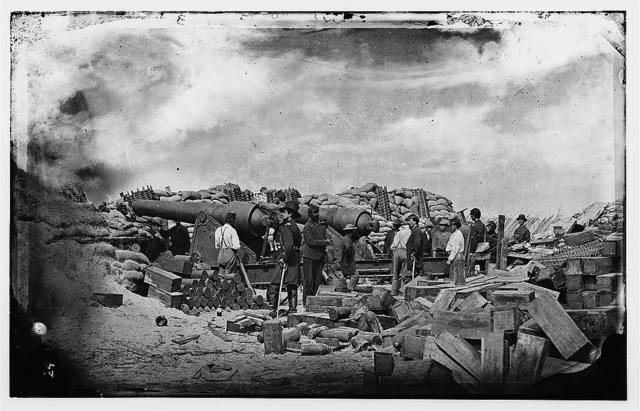 [Morris Island, South Carolina. Battery Rosecrans. Three 100-pounder Parrot Rifles. Breaching battery against Fort Sumter]