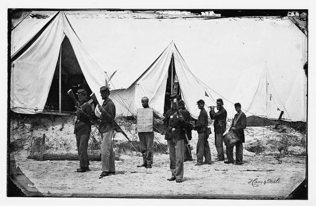 """[Morris Island, South Carolina. The """"rogue's march"""" drumming a thief out of camp]"""