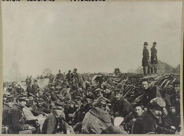 [Union soldiers entrenched along the west bank of the Rappahannock River at Fredericksburg, Virginia]