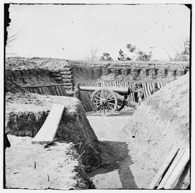 Aiken's Landing, Virginia (vicinity). Fort Brady on the James River, manned by Company C, 1st Conn. Heavy Artillery. (Battery ready for action)