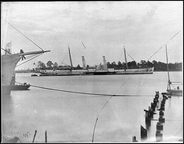 [Norfolk, Va. Steamer U.S.S. Fort Donelson (former Confederate blockade runner Robert E. Lee)]