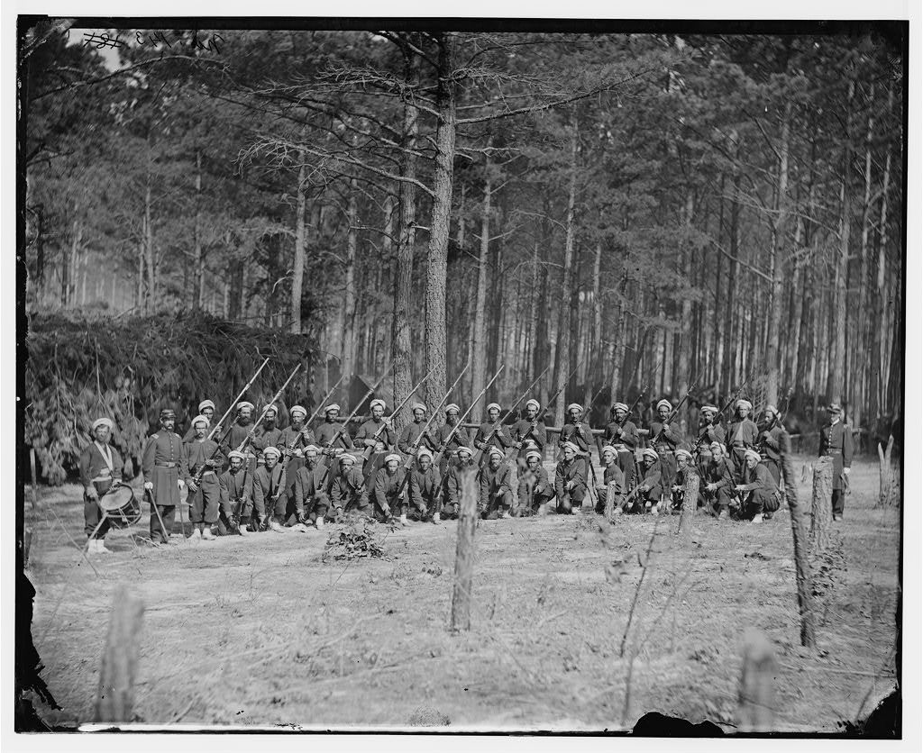[Petersburg, Va. Company F, 114th Pennsylvania Infantry (Zouaves) with fixed bayonets]