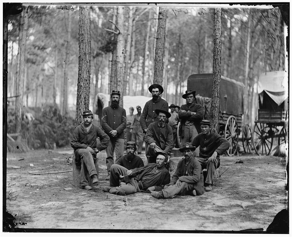 [Petersburg, Va. Group of Company B, U.S. Engineer Battalion; wagons in background]