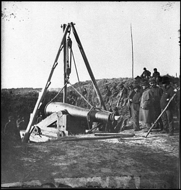 [Savannah, Ga., vicinity. Army engineers removing 8-inch Columbiad gun from Fort McAllister]