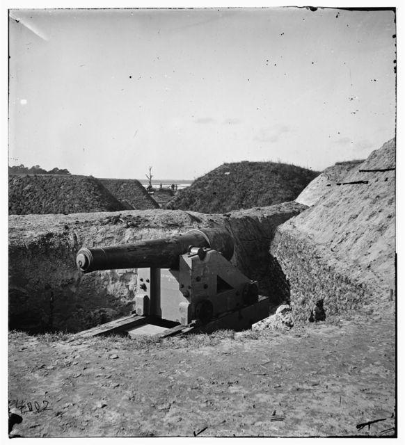 [Savannah, Ga., vicinity. Confederate gun at Fort McAllister]