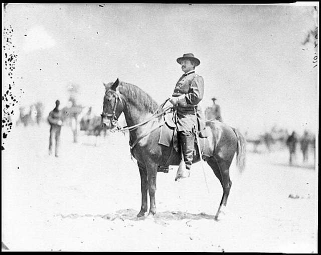 [Washington. D.C., vicinity.  Maj. Gen. Alexander M. McCook on horseback, Brightwood]