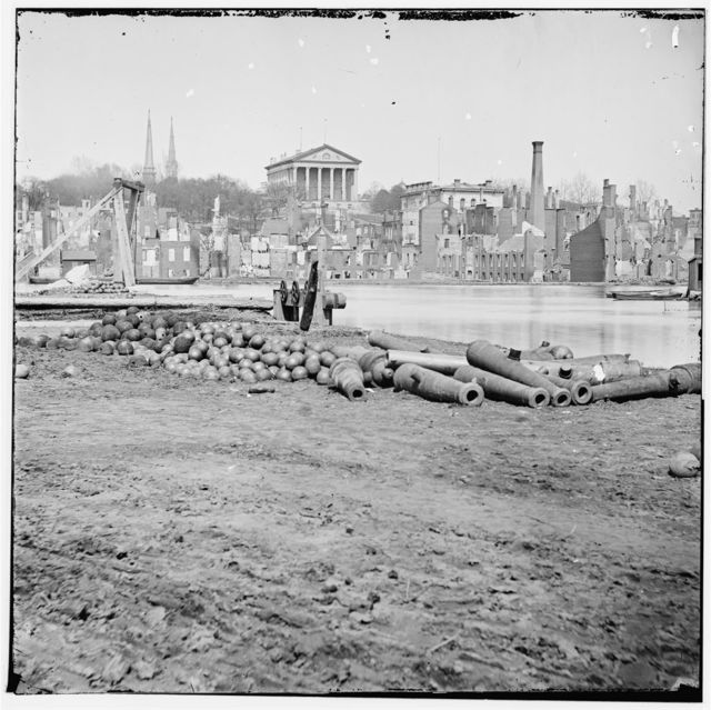 [Richmond, Va. View of the burned district and the Capitol across the Canal Basin]