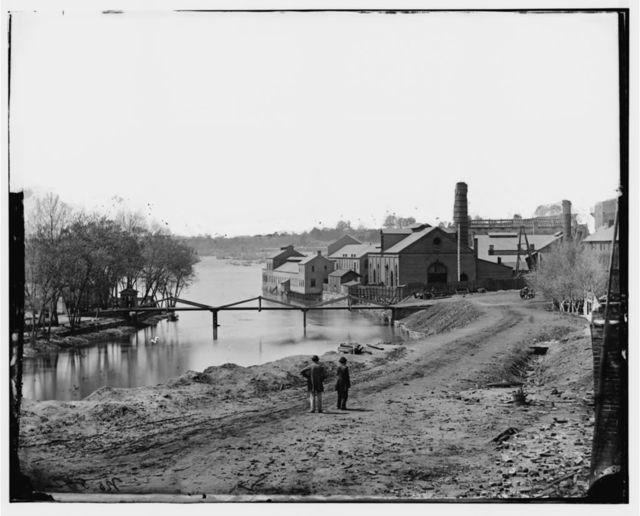 [Richmond, Va. View of the Tredegar Iron Works, with footbridge to Neilson's Island]