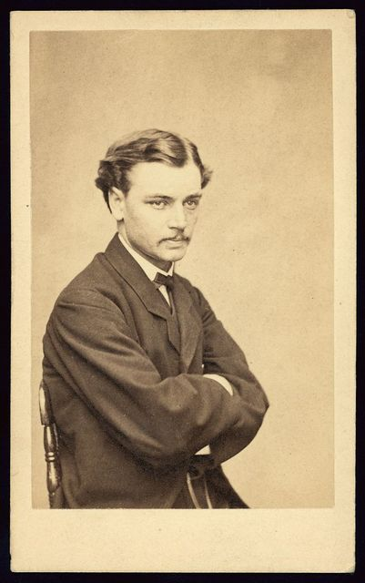 [Robert Lincoln, son of President Abraham Lincoln, half-length portrait, seated]