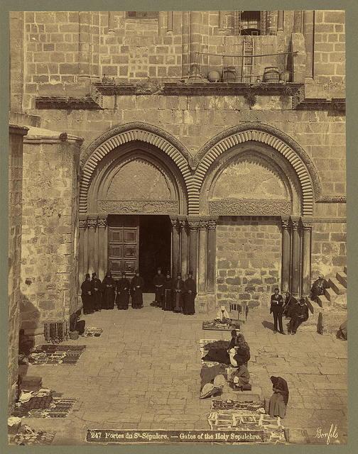 Portes du St. Sépulcre Gates of the Holy Sepulchre / / Bonfils.