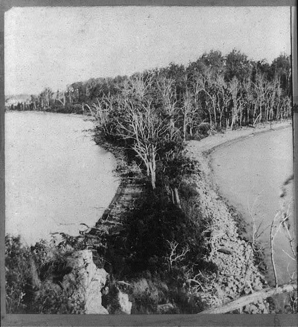 [Spirit Knob area?, Lake Minnetonka, Minnesota] / made and published by Upton.
