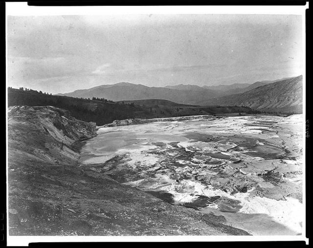 [Hot springs on the Gardiner River]
