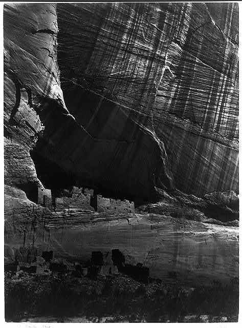 Ancient ruins in the Cañon de Chelle, N.M. In a niche 50 feet above present cañon bed / / T.H. O'Sullivan, phot.