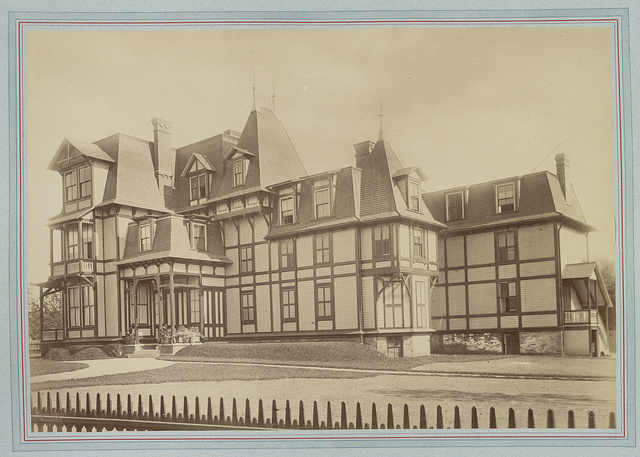 [Mrs. William F. (Elizabeth Underhill) Coles house, Bellevue Avenue and Dixon Street, Newport, Rhode Island] / Rockwood & Co., Phot. N.Y. ; R.M. Hunt, architect.