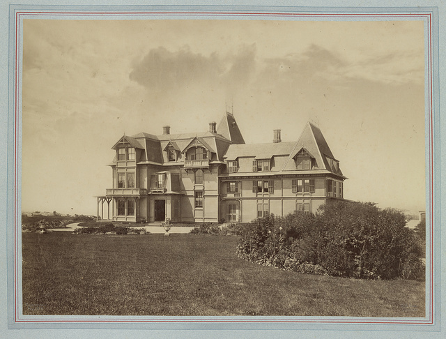 [Richard Baker Jr. house, Westcliff, Ledge Road, Newport, Rhode Island] / Rockwood & Co., Phot. N.Y. ; R.M. Hunt, architect.