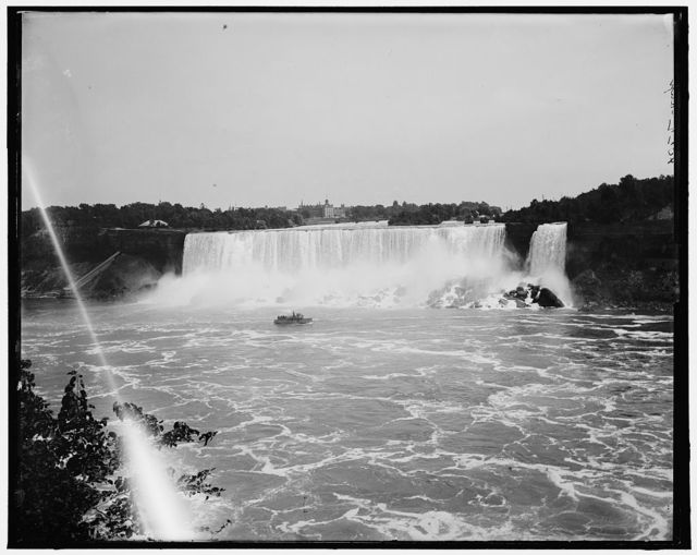 [American Falls from Canada side]