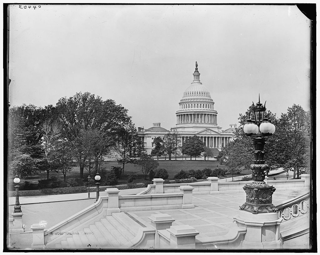 Capitol f[rom] library steps, Washington, D.C. The