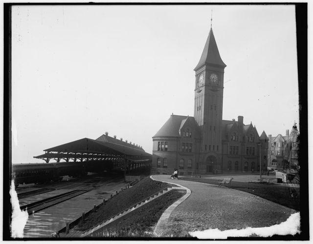 [Chicago & North Western Railway Station, Milwaukee, Wisconsin]