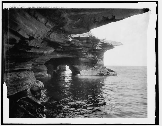 Devil's Kitchen, Devil's Island, Apostle Islands, Wis.