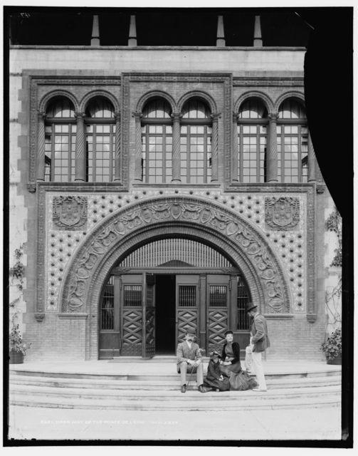 Doorway of the Ponce de Leon
