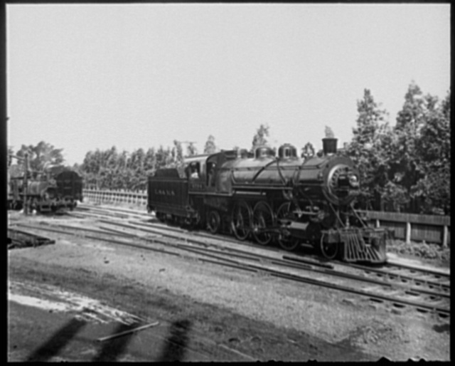 [Engines 4704 and 4051 of the L.S. and M.S. railroad]