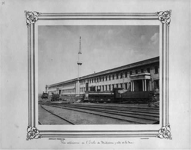 [Exterior view of the (Imperial Military) Medical School (seacoast)] / Abdullah Frères, Phot., Constantinople.