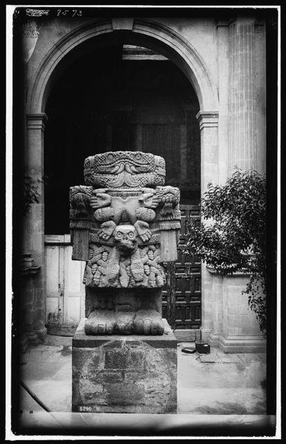 Idol, Teoyaomiqui [i.e. Coatlicue]