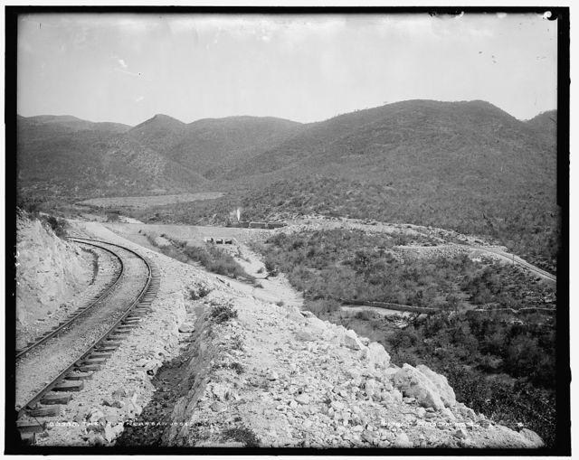 Loop near San Jose, The