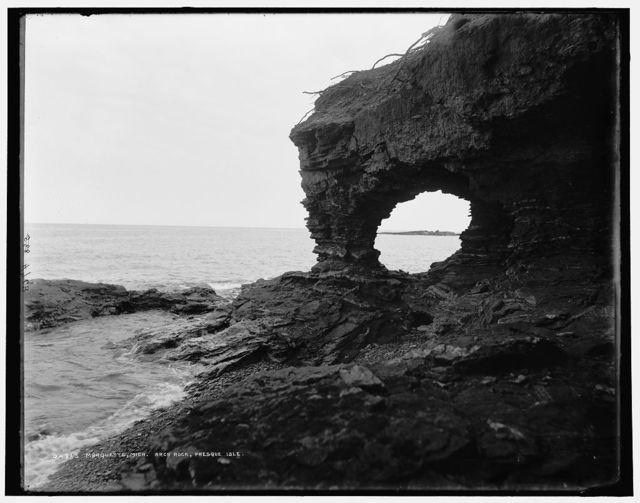 Marquette, Mich., Arch Rock, Presque Isle