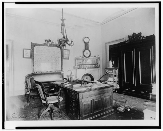 [Office in Bureau of Engraving and Printing, Washington, D.C.]