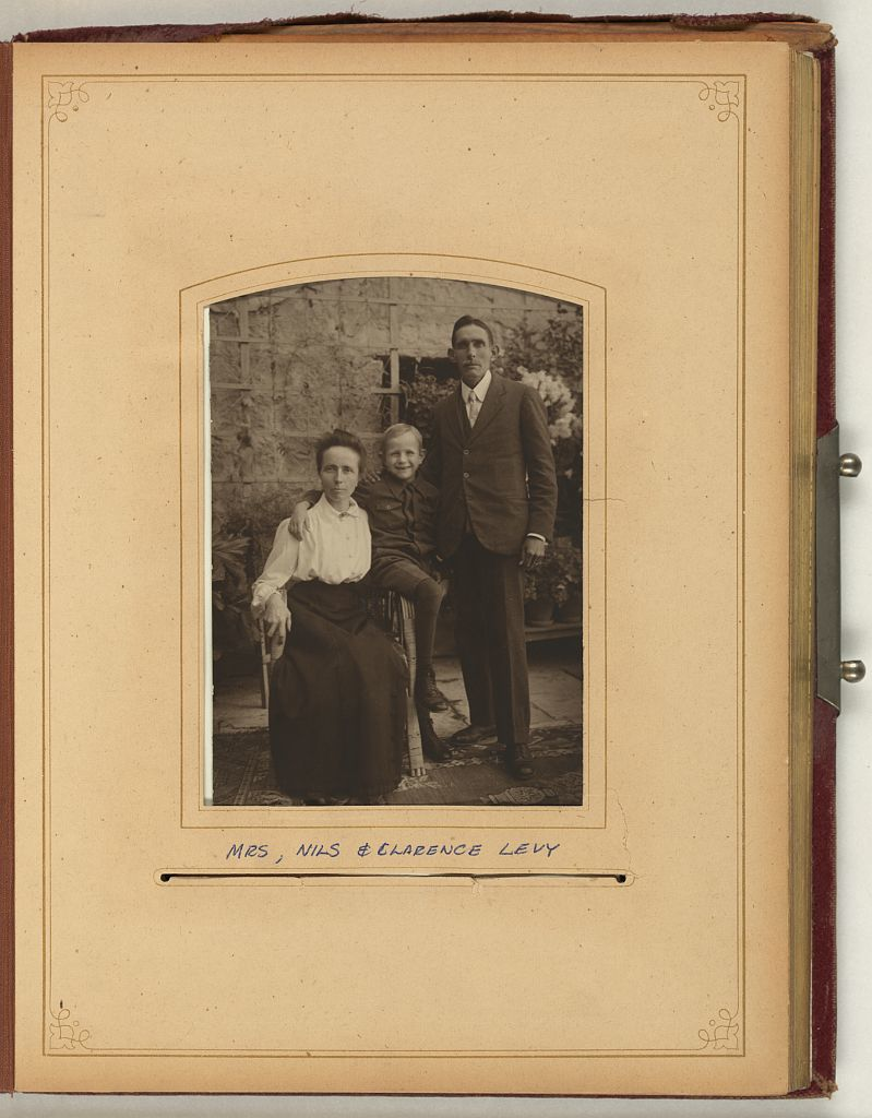 Portraits of the Whiting and Spafford families and other members of the American Colony (Jerusalem)