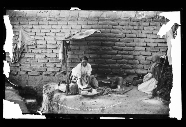Preparing tortillas in Aguas Calientes, Mexico