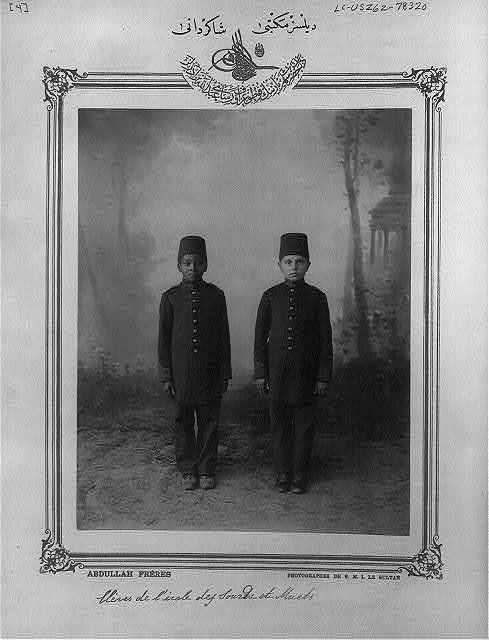 [Students, school for the deaf] / Abdullah Frères, photographes de S.M.I. le Sultan.
